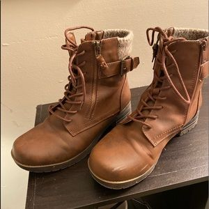 Brown comfy boots